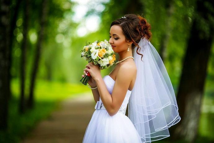 Ведущая на свадьбу в Ярославле Анна Шанель фото Антона и Светланы