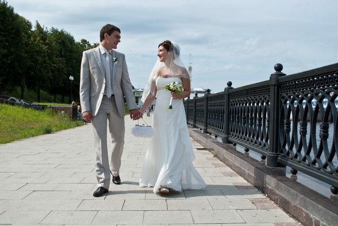 Ведущая на свадьбу в Ярославле Анна Шанель фото Елены и Александра