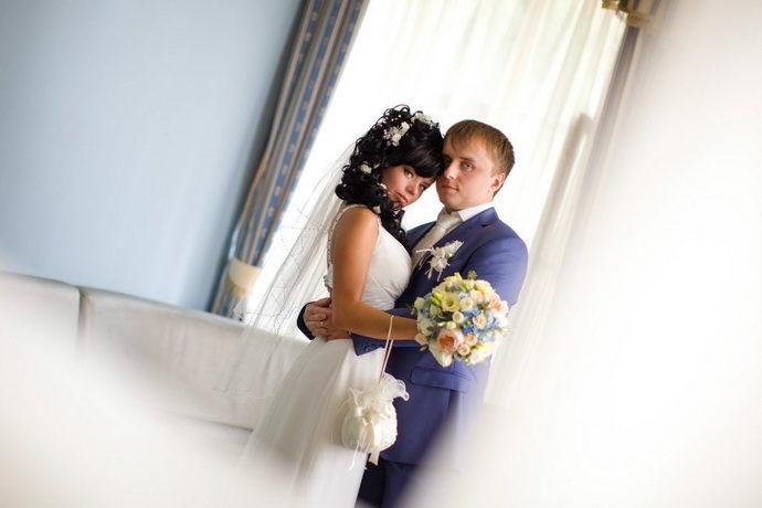 Ведущая на свадьбу в Ярославле Анна Шанель фото Екатерины и Дмитрия