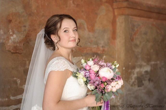 Ведущая на свадьбу в Ярославле Анна Шанель фото Алёны и Николая