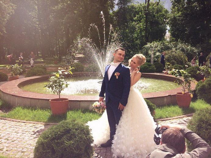 Ведущая на свадьбу в Ярославле Анна Шанель фото Кирилла и Анастасии
