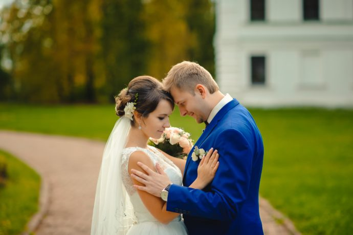 Ведущая на свадьбу в Ярославле Анна Шанель фото Михаила и Оксаны