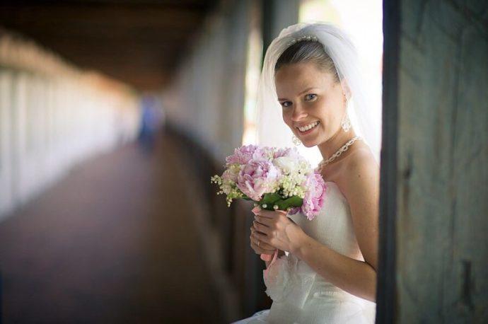 Ведущая на свадьбу в Ярославле Анна Шанель фото Игоря и Татьяны