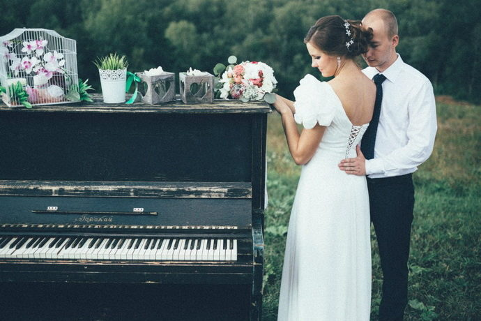 Ведущая на свадьбу в Ярославле Анна Шанель фото Ильи и Дарьи