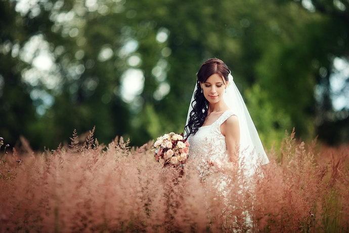 Ведущая на свадьбу в Ярославле Анна Шанель фото невесты